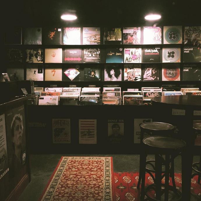 **Mojo Record Bar**  Mojo isn't just a bar—it also sells vintage and hard-to-find vinyls.  [*73 York Street, Sydney*](http://www.mojorecordbar.com/)  *Image: [@reneesmith_](https://www.instagram.com/p/BT-cJWnj4Nz/)*