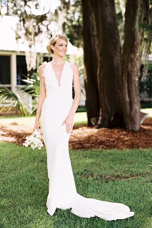**Lindsay Ellingson** <br><br> Married: Sean Clayton <br><br> Wearing: Sophie Theallet