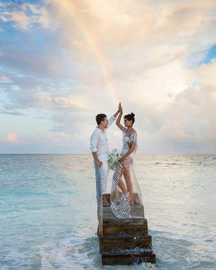 **Isabeli Fontana** <br><br> Married: Diego Ferrero <br><br> Wearing: Agua de Coco