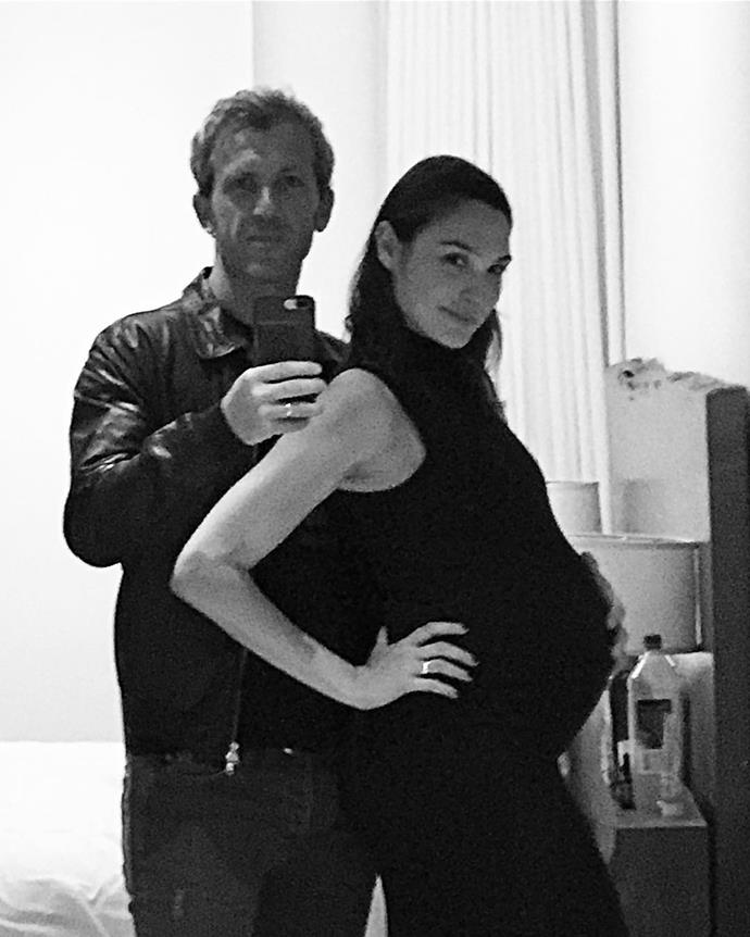 Here's a mirror selfie of Jaron and a [heavily-pregnant Gal](https://www.instagram.com/p/BR12XT8gJd_/).