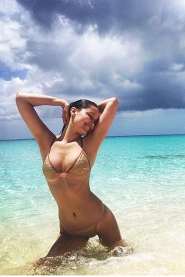 **Bella Hadid's Nearly Naked Gold Bikini**