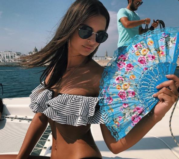 **EMILY RATAJKOWSKI** <br></br> Emily looked like a goddess while on holiday in Italy.