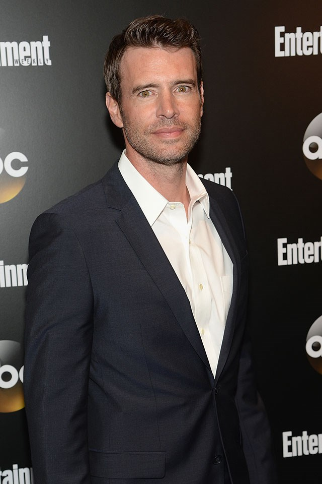 """**Scott Foley** <br><br> Scott Foley's favourite strange food combo left some of his fans feeling a little… repulsed. The *Scandal* actor revealed he eats scrambled eggs with… peanut butter. """"Good morn! Give it a shot. Seriously,"""" he wrote [on Instagram](http://people.com/food/scott-foley-peanut-butter-eggs-instagram/), while demonstrating this out-of-the-box food pairing."""