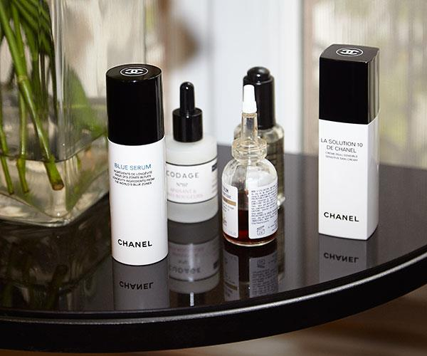 """""""As a final step we applied the antioxidant [Blue Serum](https://www.chanel.com/en_AU/fragrance-beauty/skincare/p/by-category/serums_concentrate/blue-serum-longevity-ingredients-from-selected-diets-of-the-world_s-blue-zones-p140230.html#skuid-0140230) to neutralise free radicals, calm inflammation and strengthen the skin. Finishing with [La Solution 10](https://www.chanel.com/en_AU/fragrance-beauty/skincare/p/by-category/moisturisers/la-solution-10-de-chanel-sensitive-skin-cream-p141030.html#skuid-0141030), a gentle light weight moisturiser layered over the top to further restore, nourish and rehydrate."""""""
