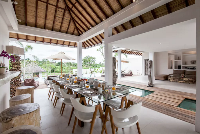 **[Canggu Villa, Mengwi](https://www.airbnb.com.au/rooms/16725166?guests=9&adults=9&children=0&infants=0&s=GurZMzix), Bali**