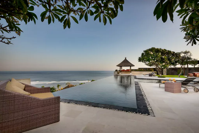 **[Clifftop Luxury Villa, Kuta Selatan](https://www.airbnb.com.au/rooms/16040551?guests=4&adults=4&s=F1VpC0bb), Bali** <br> <br> **$1,480 per night, sleeps 8 guests** <br> <br>  Now *this* is luxury, and arguably one of the best panoramic ocean views you'll get. The perfect spot for a wedding, group-moon, or birthday party.