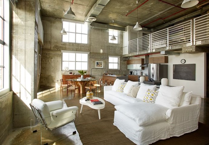 "**NATURALLY INDUSTRIAL** <br><br> *Design by [Hillary Littlejohn Scurtis Design]( https://deringhall.com/interior-designers/hillary-littlejohn-scurtis-design|target=""_blank"").*"