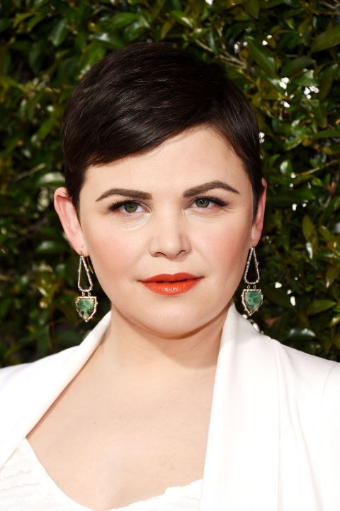 **GINNIFER GOODWIN** <br><br> Ginnifer—a prime example of a round face—wears her pixie cut with lots of texture, which contrasts her face's circular shape.