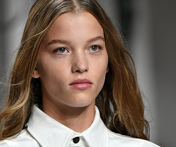 **Calvin Klein:** [Kaia and co.](http://www.elle.com.au/new-york-fashion-week/kaia-gerber-runway-debut-calvin-klein-14302) walked the runway with a soft bend in their hair (complete with carefree flyaways) and a minimalist makeup look, because would it even be a Calvin Klein show if the models weren't the epitome of pared-back perfection? Another winning look we'll be wearing for life.