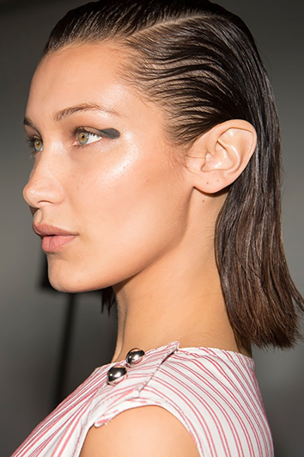 **Jason Wu:** The dewy, just-back-from-Ibiza skin brief at Jason Wu is spring #SkinGoals. Maybelline New York global makeup artist Yadim dotted faux freckles onto models' skin—which was prepped with foundation a few shades darker than their natural skin tone—using [Brow Precise Micro Pencil](https://www.maybelline.com.au/eye-makeup/brow/brow-precise-micro-pencil). Fun fact: the graphic khaki liner was a last-minute addition, only added a few hours before show time.