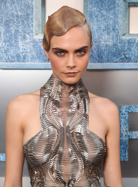 CARA DELEVINGNE WITH A FAUX FINGER WAVE