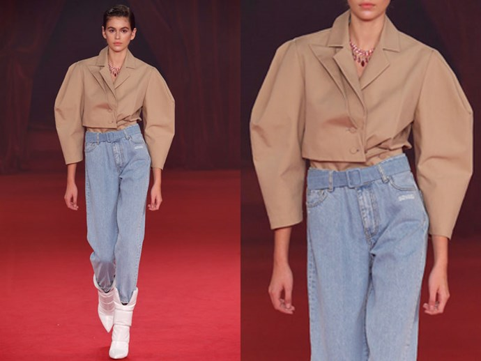 **Off/White:** Alternatively, fully tuck an oversized jacket into high-waisted jeans for a dramatic silhouette.