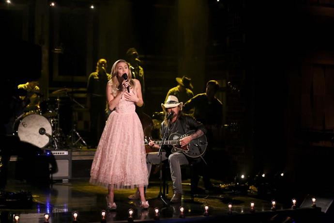 In another pretty look for *The Tonight Show Starring Jimmy Fallon*!