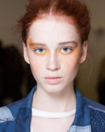 """**EGG YOLK YELLOW** <br><br> Embrace your inner new romantic by swapping your go-to taupe eyeshadow for a muted yellow shade, to define your eye socket and lightly line your lower lids. For those wanting more of a Margot-esque pop of colour, dab a dot of bright yellow in the inner corner of your eye in place of highlighter. Think less Lichtenstein comic book girl, more high fashion heroine.  <br><br> **Try:** Shu Uemura Pressed Eyeshadow Refill in Matte Yellow, $22, [Sephora](https://www.sephora.com.au/products/shu-uemura-pressed-eyeshadow-refill/v/matte-yellow-330
