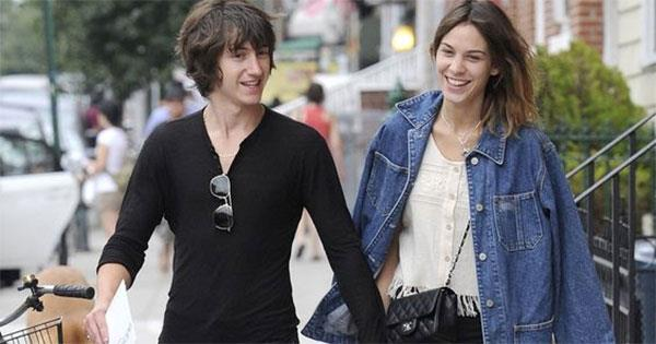 Alex Turner And Alexa Chung