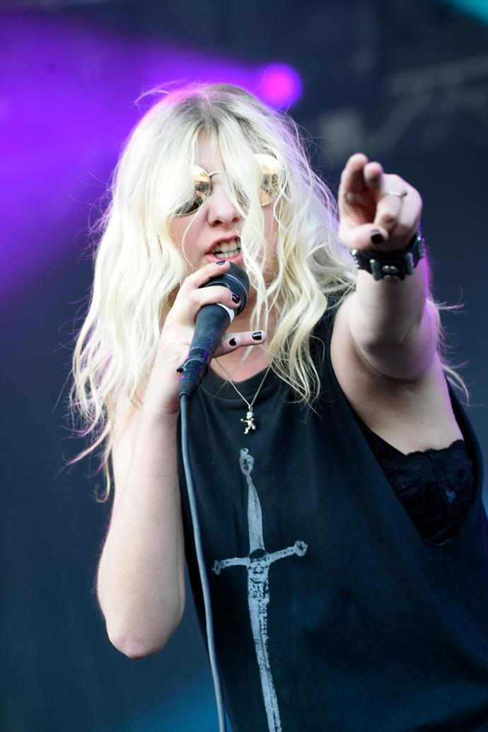 """**Taylor Momsen: *Gossip Girl*** <br><br> The squeaky-clean image of [*Gossip Girl*](https://www.elle.com.au/culture/gossip-girl-vanity-fair-profile-14229 target=""""_blank"""") star [**Taylor Momsen**](https://www.elle.com.au/celebrity/taylor-momsen-strips-naked-for-album-cover-3417 target=""""_blank"""") came to a burning halt when she quit the show at the end of the third season and converted to a rock-and-roll image that was as far as possible from her famed character, Manhattan private-school attendee Jenny Humphrey.  <br><br> """"I keep saying, how many #1's do you have to get before people stop asking about acting?"""" Momsen said [in a 2014 interview](https://www.riverfronttimes.com/musicblog/2014/10/21/dont-ask-taylor-momsen-of-the-pretty-reckless-about-gossip-girl?page=2 target=""""_blank"""" rel=""""nofollow"""") regarding her past in the acting limelight.  <br><br> In the same interview, she said she was grateful for what *Gossip Girl* had done for her career, but that her fans """"don't give a fuck about the TV show"""" and that she's not looking to go back to acting any time soon.  <br><br> *Ouch.*"""