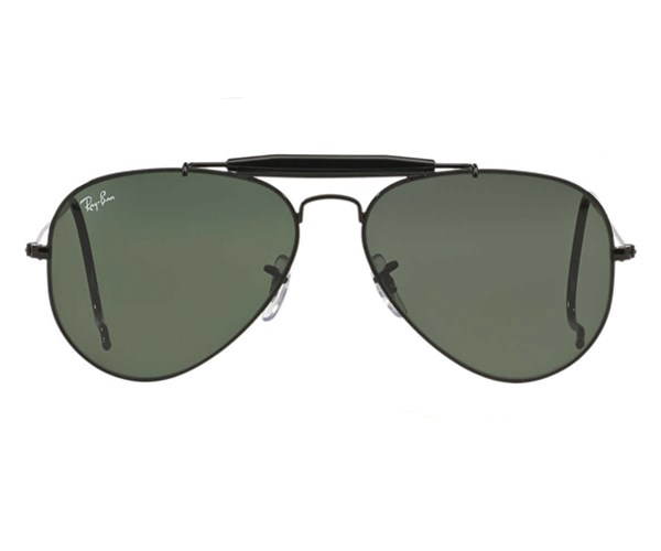 "Ray-Ban sunglasses, $205 at [Sunglass Hut](http://www.sunglasshut.com/au/805289695004|target=""_blank""|rel=""nofollow"")"