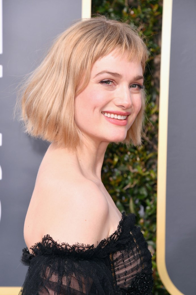 **Alison Sudol** <br><br> We cannot get enough of the *Fantastic Beasts* actress' pulled back beauty look, which includes rose-tinted lips and super sweet wavy locks.