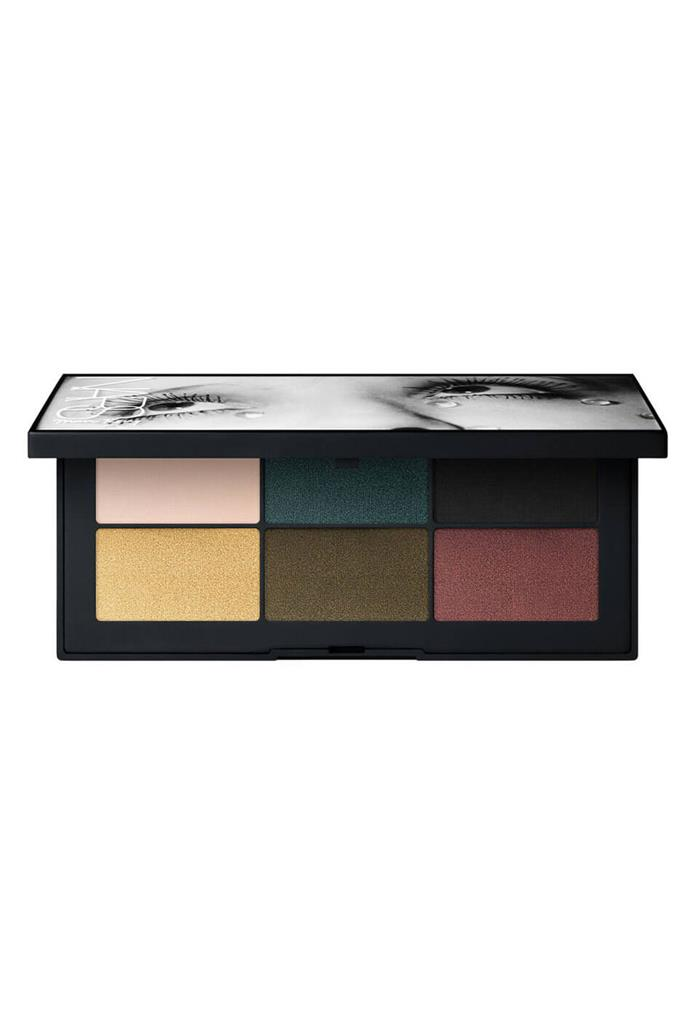 "Stone's makeup artist, Rachel Goodwin, used a NARS emerald green eyeshadow to swipe across the actress' lids to reflect one of the three primary colours of the women's suffragette movement. <br><br> **NARS Glass Tears Eyeshadow Palette, $71 at [MECCA](https://www.mecca.com.au/nars/glass-tears-eyeshadow-palette/I-029835.html?cgpath=brands-nars|target=""_blank""