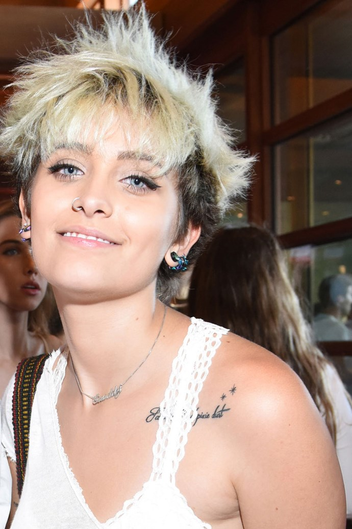 Paris Jackson's public appearances we're exactly abundant in 2016, but she did step out long enough for us to spot her brand new peroxide pixie and nose ring.