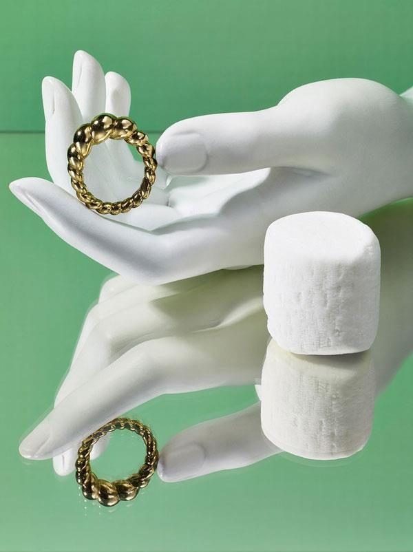 "**[Jeannie Kim](https://jeanniekim.com/|target=""_blank""