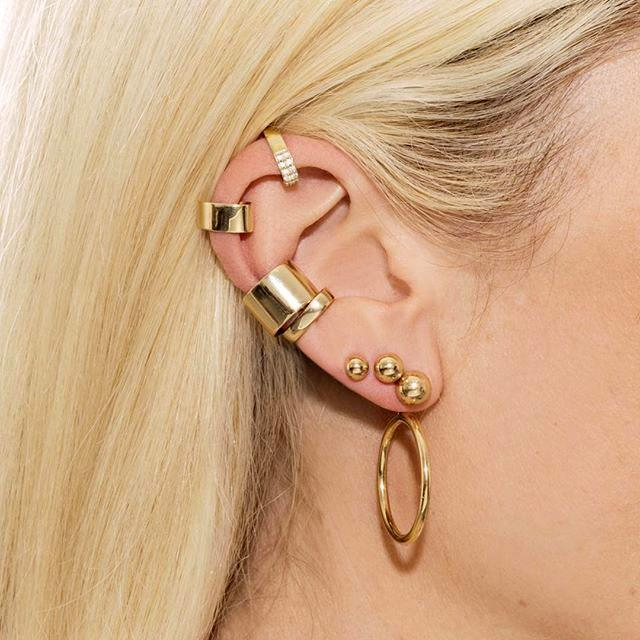 "**[The Last Line](https://thisisthelast.com/|target=""_blank"")**   **What they do best: ** Minimalist gold earrings, perfect for stacking along the helix   **Where to shop it: ** [The Last Line](https://thisisthelast.com/