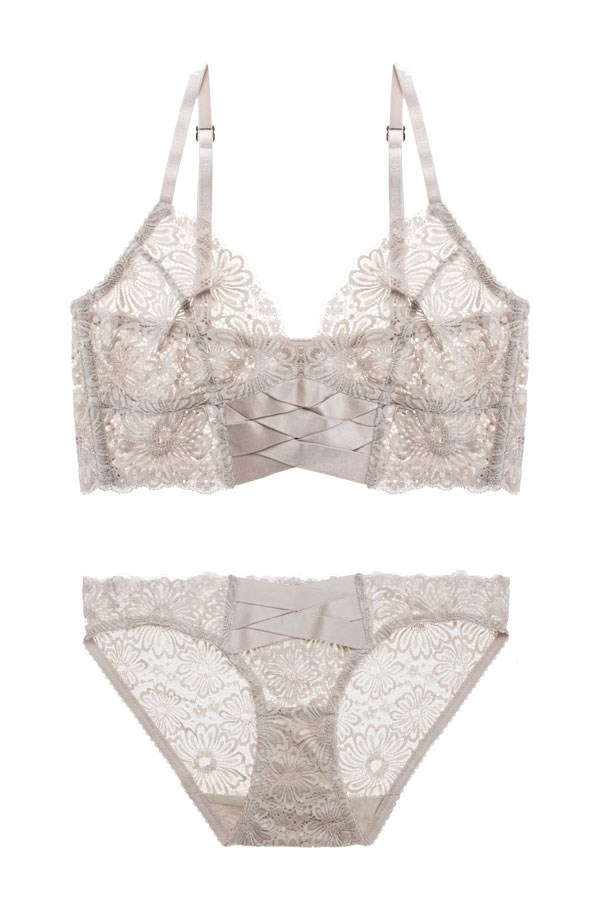 """Lonely Lingerie <br></br> Want quality and effortless cool without compromising on comfort? Then look no further than Lonely. [Bra](https://lonelylabel.com/products/patsy-br14512p?taxon_id=11