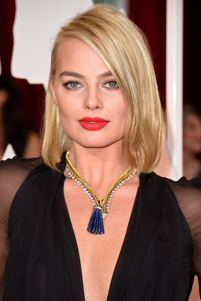 Margot's lob returns! See also 'perfectly brushed brows'.