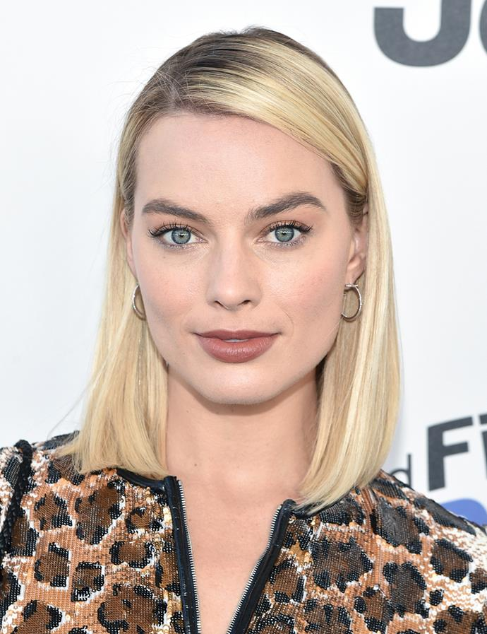Sleek and straight with an off-centre part. <br><br> Margot pictured at the Independent Spirit Awards in March 2018.