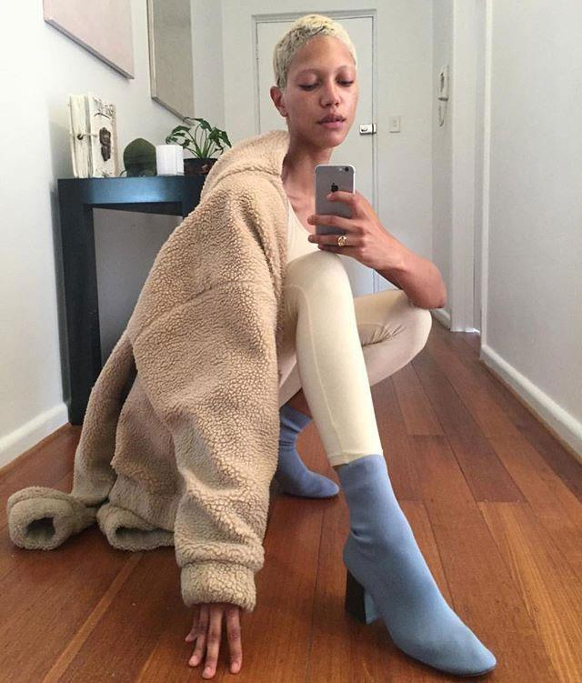"**Johanna** <br><br> [@selfiegod](https://www.instagram.com/selfiegod/|target=""_blank""|rel=""nofollow"")"