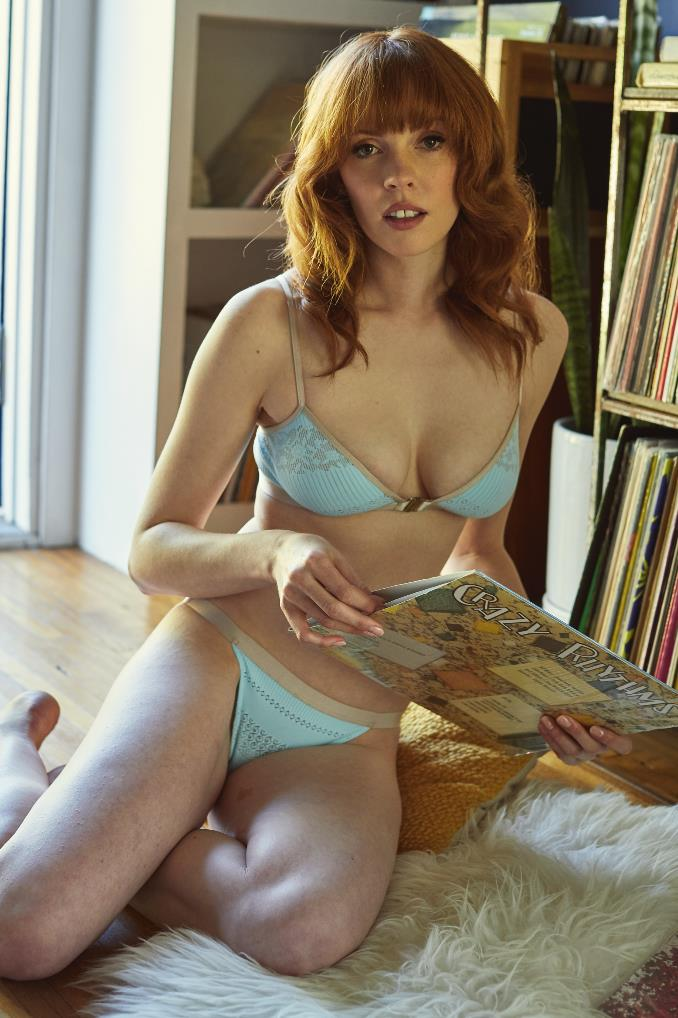 "Intentions Bra in Blue and Nude, approx. $88 at [Max & Vera](https://www.maxandvera.com/shop/okh8vfh7dfqwa15hcx5ea1bcdsazbp|target=""_blank"")."