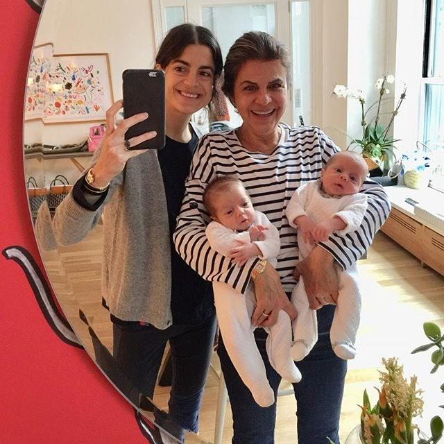 """Medine with her mother and the girls. <br><br> *Image: [@moismed](https://www.instagram.com/p/BhIZh4ahTGn/?taken-by=moismed target=""""_blank"""")*"""