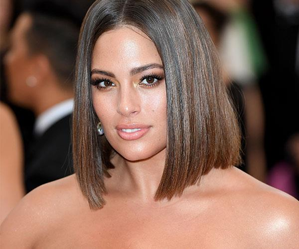 **Ashley Graham** <br> While she may have played it safe, Graham's bronzed makeup is as flattering as can be.