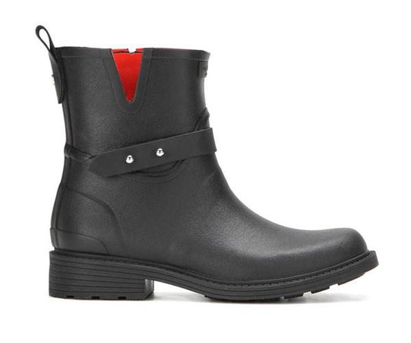 "Rag & Bone Rain Boots, $325, at [Mytheresa](https://www.mytheresa.com/en-au/rag-bone-stivaletti-moto-rain-in-gomma-745443.html|target=""_blank"")."