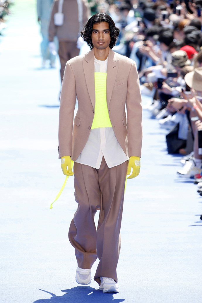 **6. Billowing Trousers**