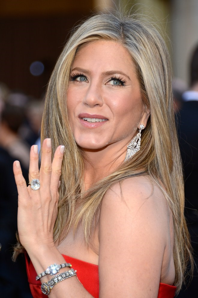 Jennifer Aniston's engagement ring from Justin Theroux was also a massive diamond on a simple band.
