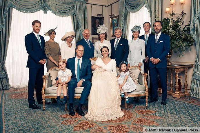 Prince Harry, Meghan Markle, Camilla, Prince Charles, Carole Middleton, Michael Francis Middleton, Pippa Middleton, James Matthews, James Middleton, Prince George, Prince William, Kate Middleton, Prince Louis and Princess Charlotte pose for a portrait.