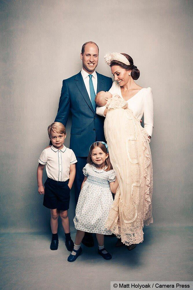 Prince George, Prince William, Kate Middleton, Prince Louis and Princess Charlotte have their first portrait as a family of five.