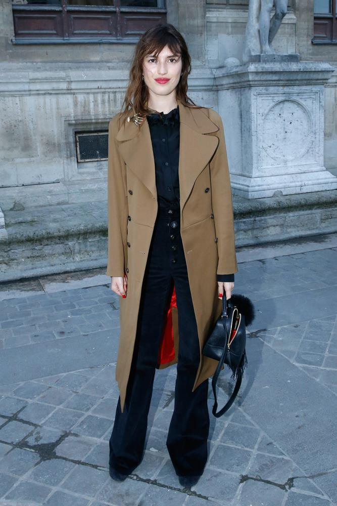 ***You can never go wrong with flares***<br><br> If there's one item it seems French girls can universally pull off, it's flares. Whether they're pants, jeans or even corduroy, the flared shape adds the perfect amount of interest to your standard sweater-and-coat combination—just look at Jeanne Damas.