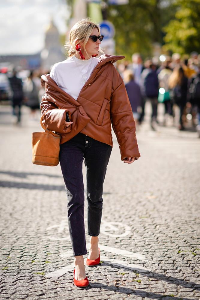 ***Embrace the puffer jacket***<br><br> We often think of the puffer as only snow- or sleet-appropriate, but the right one (preferably in lush caramel, like Camille Charriere's) can carry any winter outfit. Add red pumps, a relaxed-fit jeans and your best messy chignon.