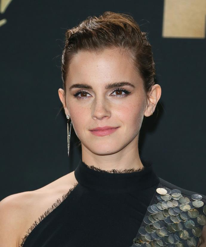 At the 2017 MTV Movie and TV Awards, Emma complemented a simple winged eyeliner with a slicked back bun.