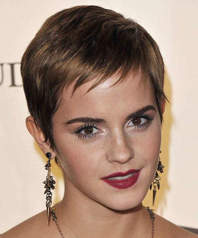 At a Warner Bros event in the UK, Emma opted for edgy glamour with a choppy pixie cut. Well-defined brows, lashings of mascara and a plum lip added further intensity.