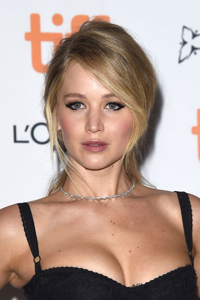 Jennifer channels Brigitte Bardot with graphic eyeliner and voluminous hair at the premiere of *Mother!* in 2017.