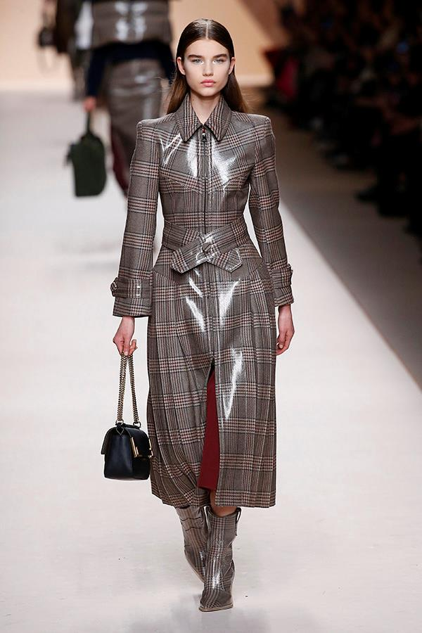 **Yooooo, think about how many butterfly knives you could hide under this:** Fendi Fall/Winter '18