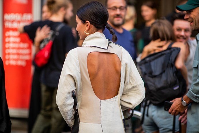 **5. Backless Designs**