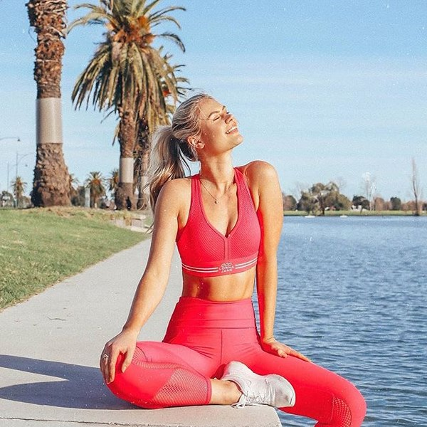 "Australia's leading sportswear brand fills their feed with snaps of fitness gear, easy recipes and inspirational quotes (plus the occasional photo of Ryan Gosling). <br><br> Instagram: [@lornajaneactive](https://www.instagram.com/lornajaneactive/|target=""_blank""