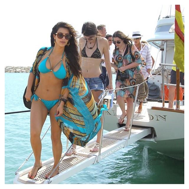 "Vacationing with family in the Dominican Republic in 2012.  <br><br> *Image: [Instagram](https://www.instagram.com/kimkardashian/|target=""_blank"")*"
