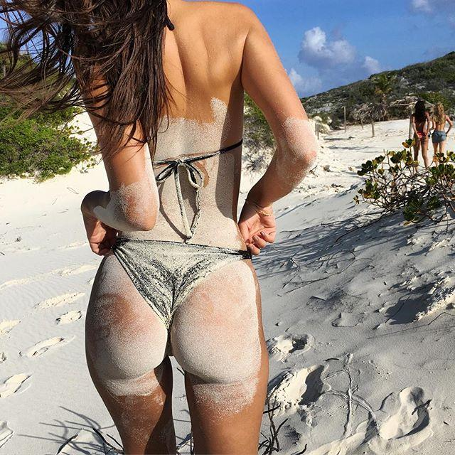 "The beach bum to rival all beach bums.  <br><br> Instagram: [@emrata](https://www.instagram.com/emrata/|target=""_blank""