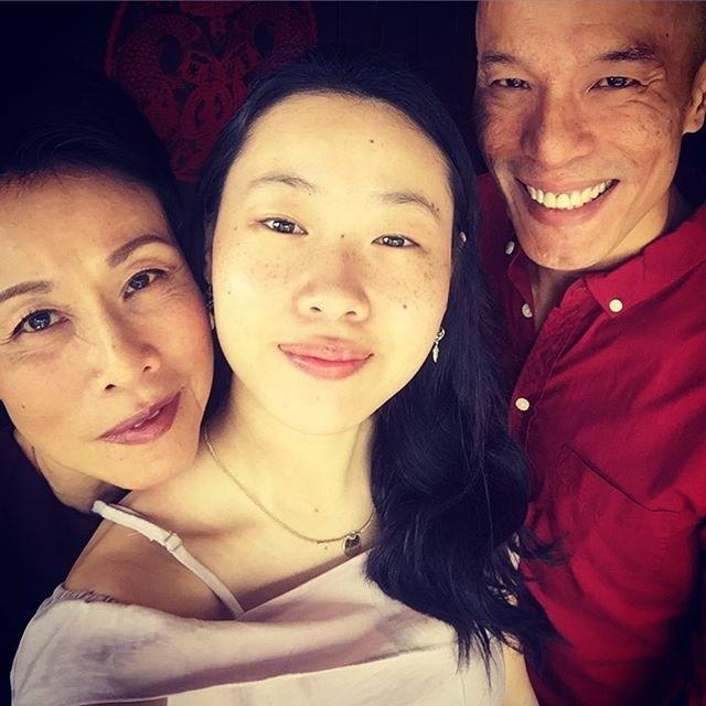 "**Tan Kheng Hua (Kerry Chu) ** <br><br> Tan Kheng Hu is married to fellow actor Lim Yu-Beng and they have one daughter together, Shi-An <br><br> Image: [@kenghua](https://www.instagram.com/khenghua/?hl=en|target=""_blank""|rel=""nofollow"")"