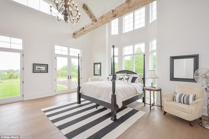 "One of the four bedrooms.<br><br> Image via the *[Daily Mail](http://www.dailymail.co.uk/tvshowbiz/article-6091733/Justin-Bieber-snaps-5M-lakefront-mansion-Canada-complete-private-horse-track.html|target=""_blank""